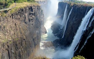 victoria falls with Quest tours and safaris